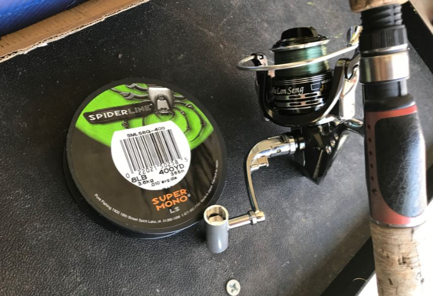 The reel paired with 8LB Mono SpiderLine